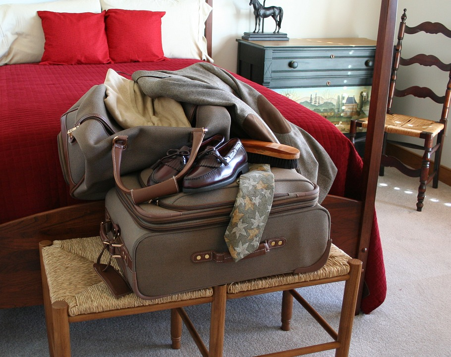 Pack light, pack right!