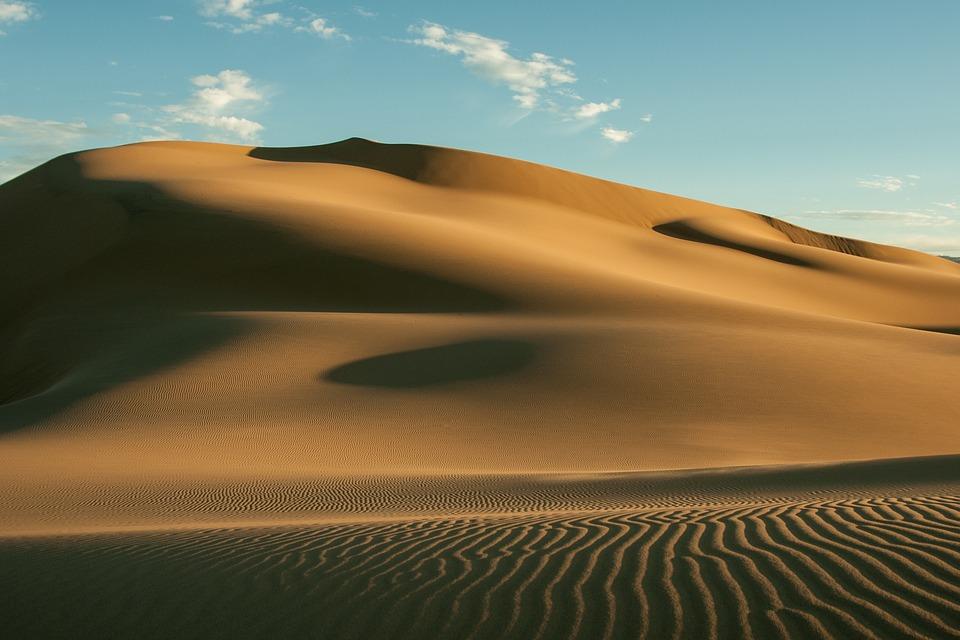 Climbing Gobi's highest dune