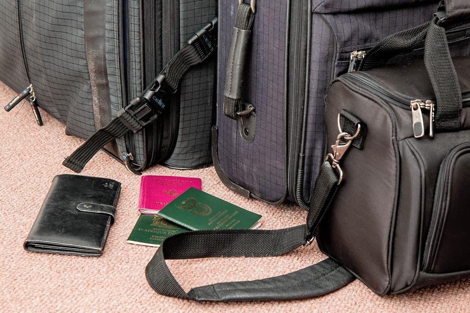suitcase-841200_960_720